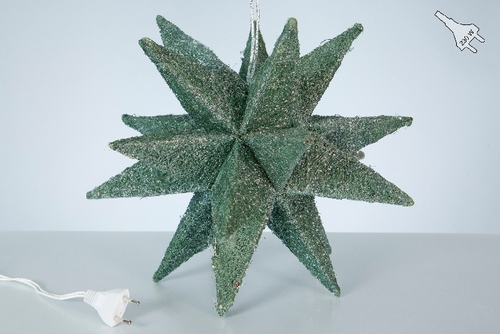 Weihnachtsstern beleuchtet grün