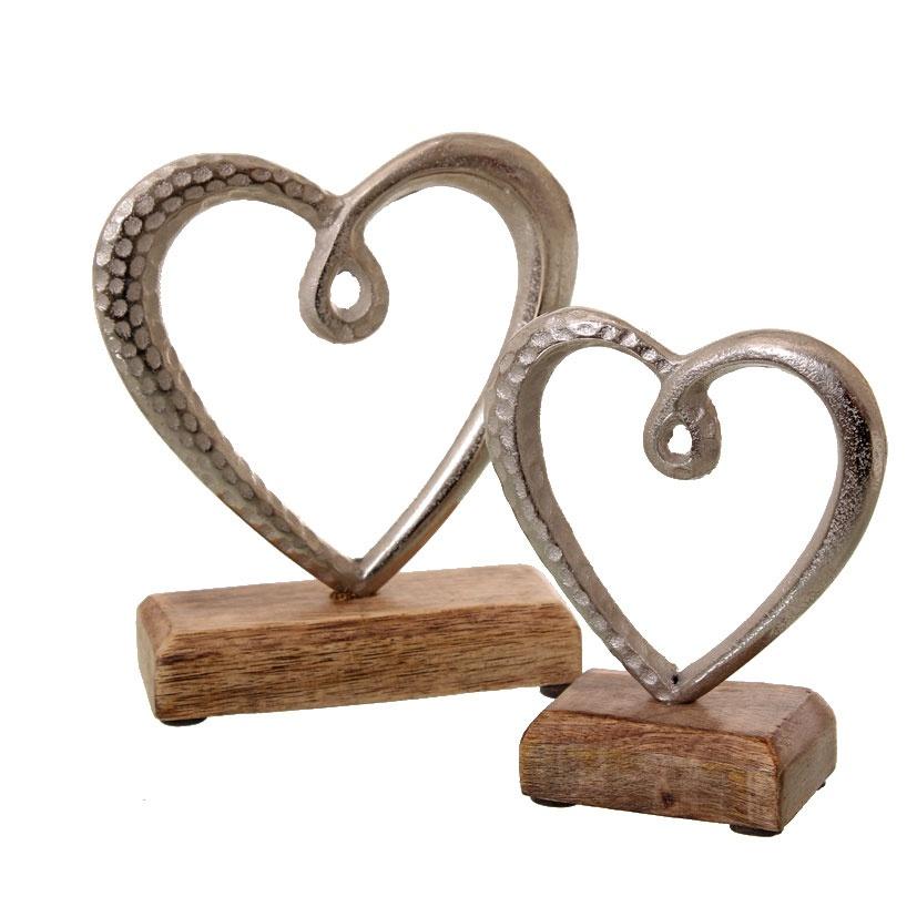 Deko-Herz auf Holz Alu - vernickelt Höhe: ca. 13 cm