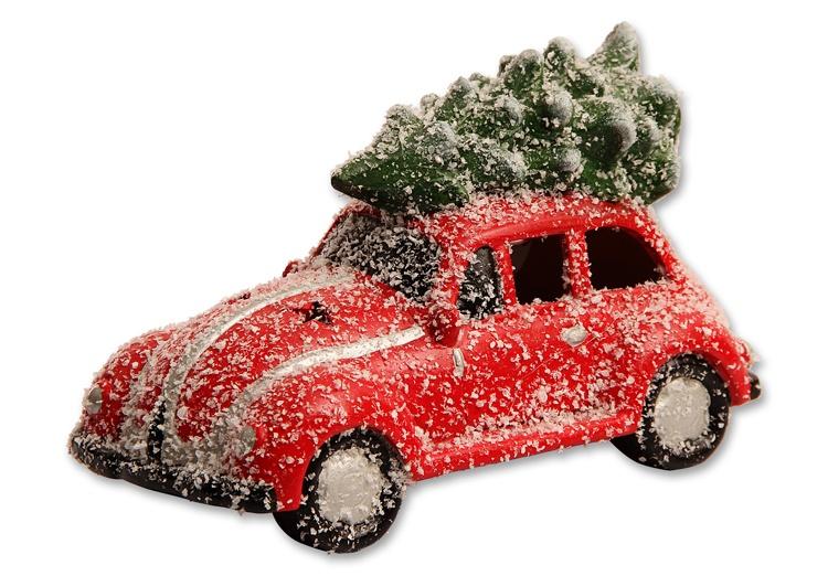 Weihnachtsauto mit Baum und LED