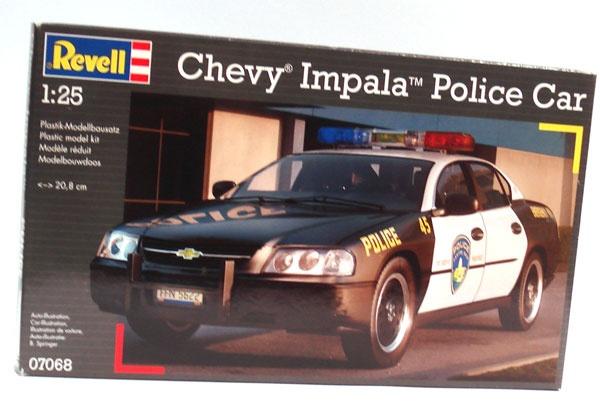 Revell 07068 Chevy Impala Police Car 1:25