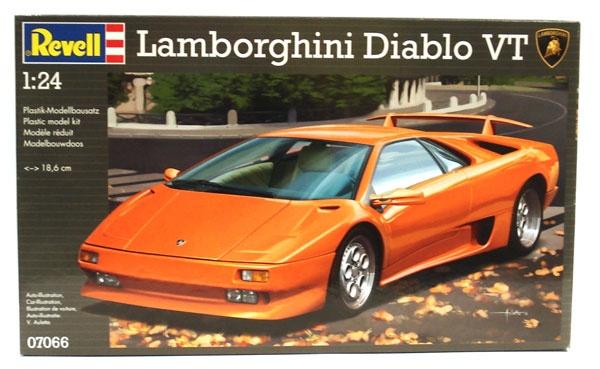 Revell 07066 Lamborghini Diablo VT 1:24